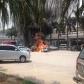 Xe hơi bốc cháy dữ dội tại sân bay Nội Bài