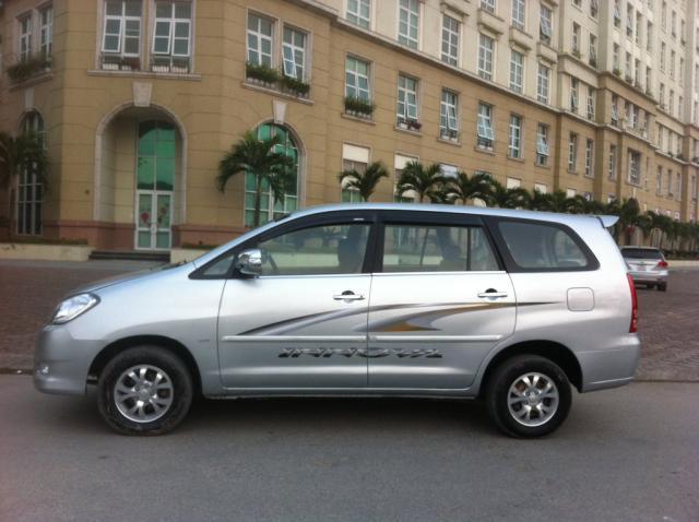 7 seats car